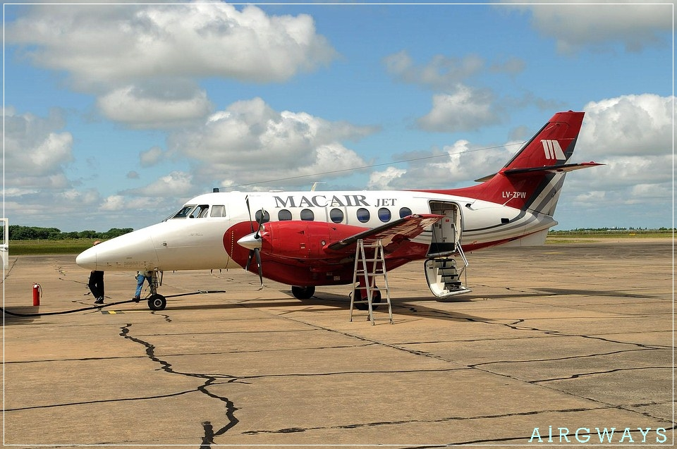 01ABR-RCQ-Macair-Jet-Primer-VueloC