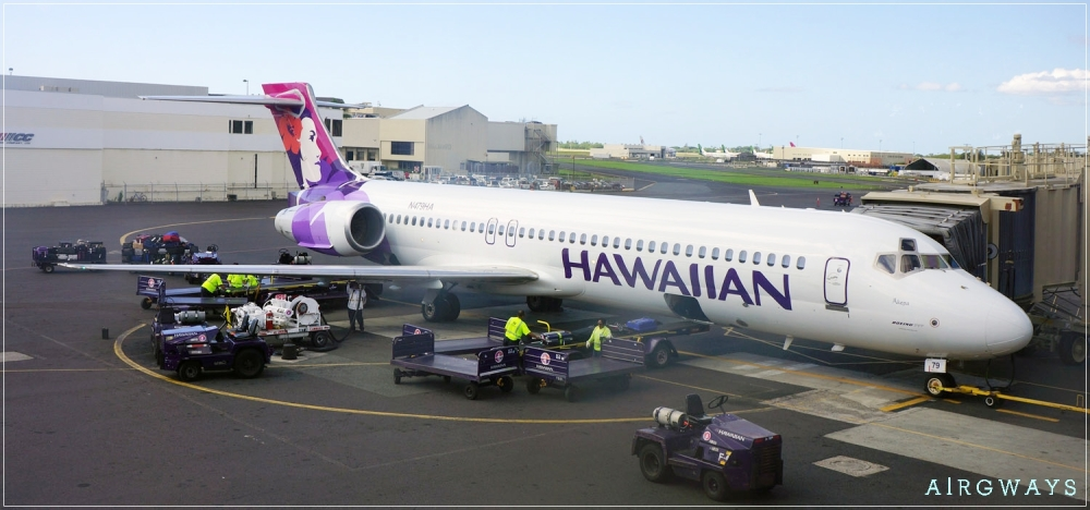 hawaiian-airlines-boeing-717-200-on-ramp-at-interisland-terminal-honolulu-airport-hnl-2013-5_33702