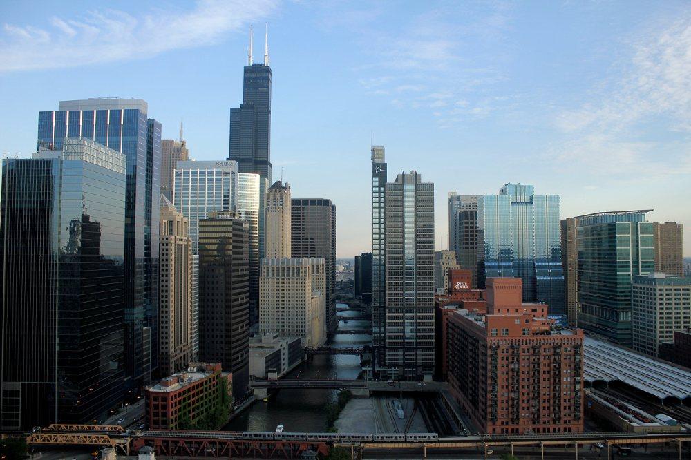 Chicago_downtown-northwest-view+two-Boeings-dark (1)