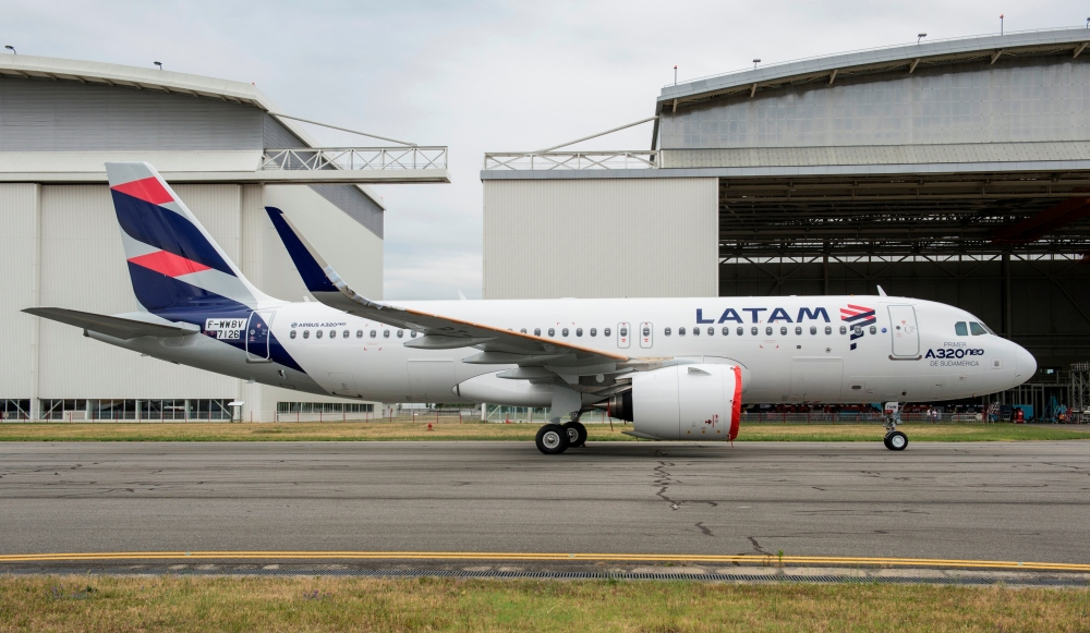 A320neo_MSN7126_LATAM_roll_out-007 (1)