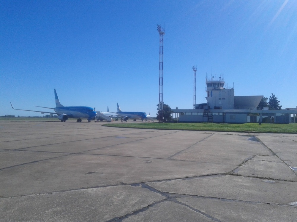 Resultado de imagen para aeropuerto sauce viejo