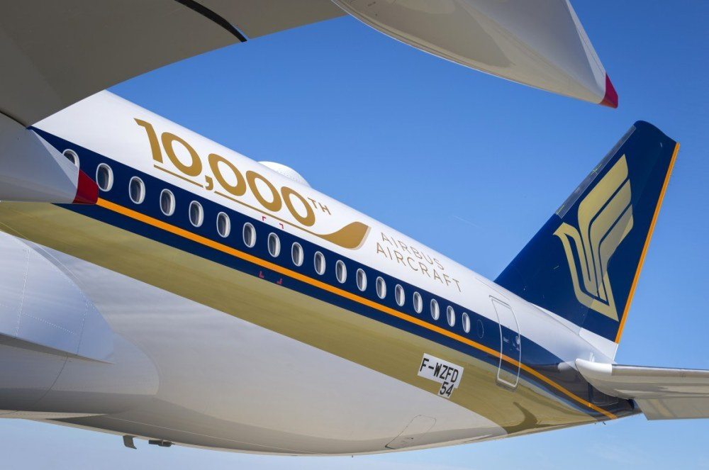 a350-900_sia_10000th_airbus_aircraft_details