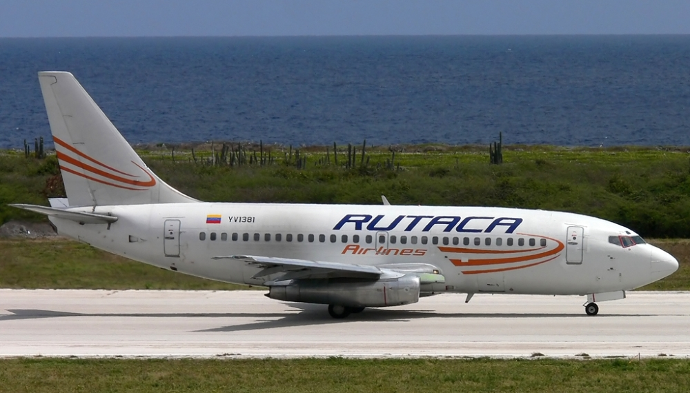 yv1381-rutaca-airlines-boeing-737-2s3a_planespottersnet_266318