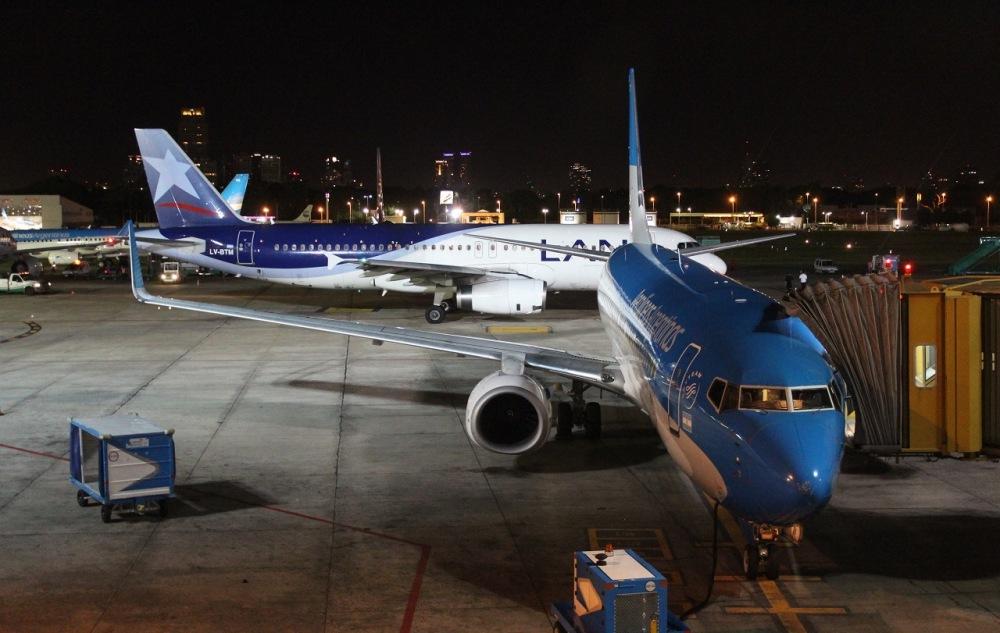 Aeroparque-Jorge-Newbery-Plataforma-de-noche- Eduardo Guiménez Mazó
