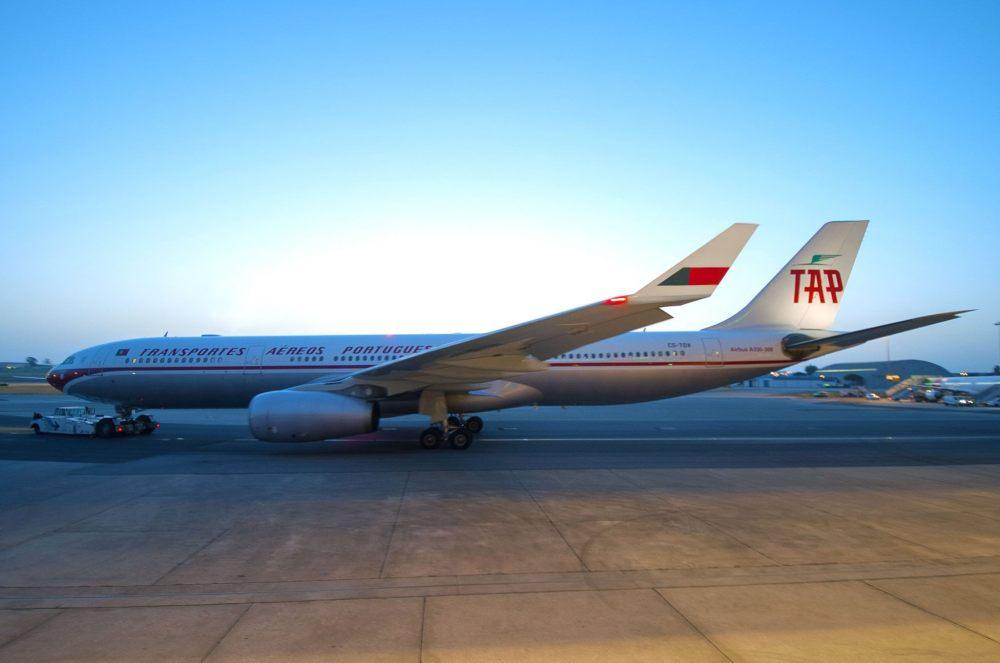 TAP-AIR-PORTUGAL-A330-300-RETRO