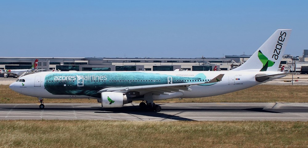 Azores_Airlines_Airbus_A330-223_CS-TRY.jpg