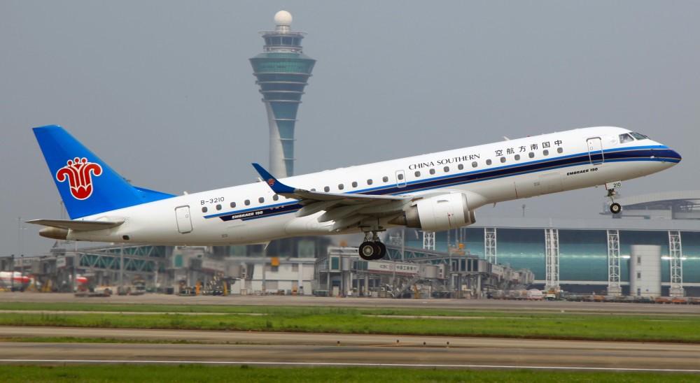 B-3210_-_China_Southern_Airlines_-_ERJ-190LR_-_CAN_(8854964140).jpg
