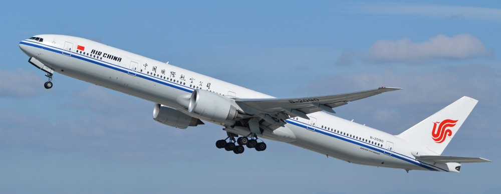 Boeing_777-39LER_'B-2090'_Air_China_(14272659101).jpg