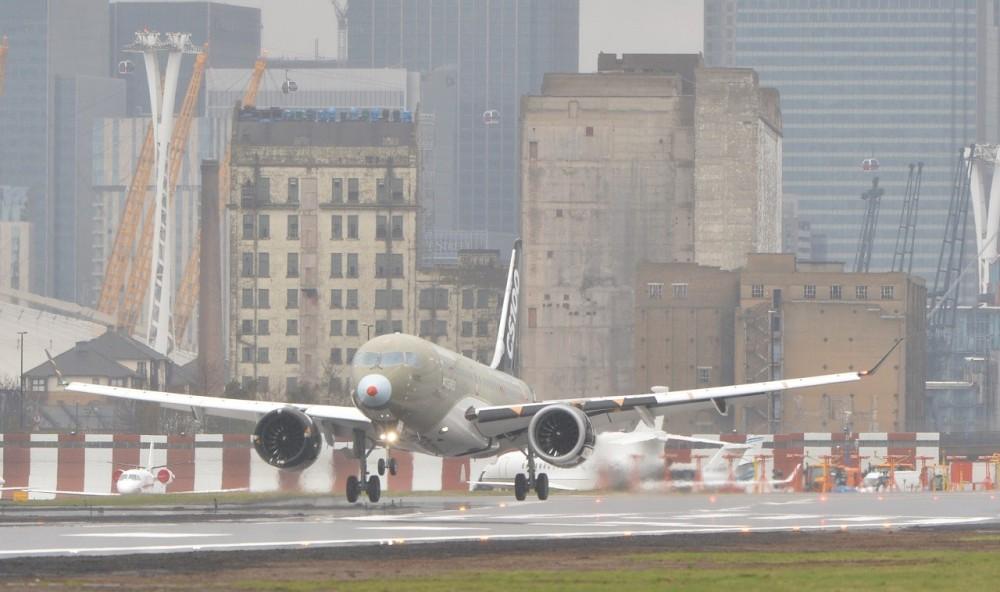 Bombardier-CS100-London-City.jpg