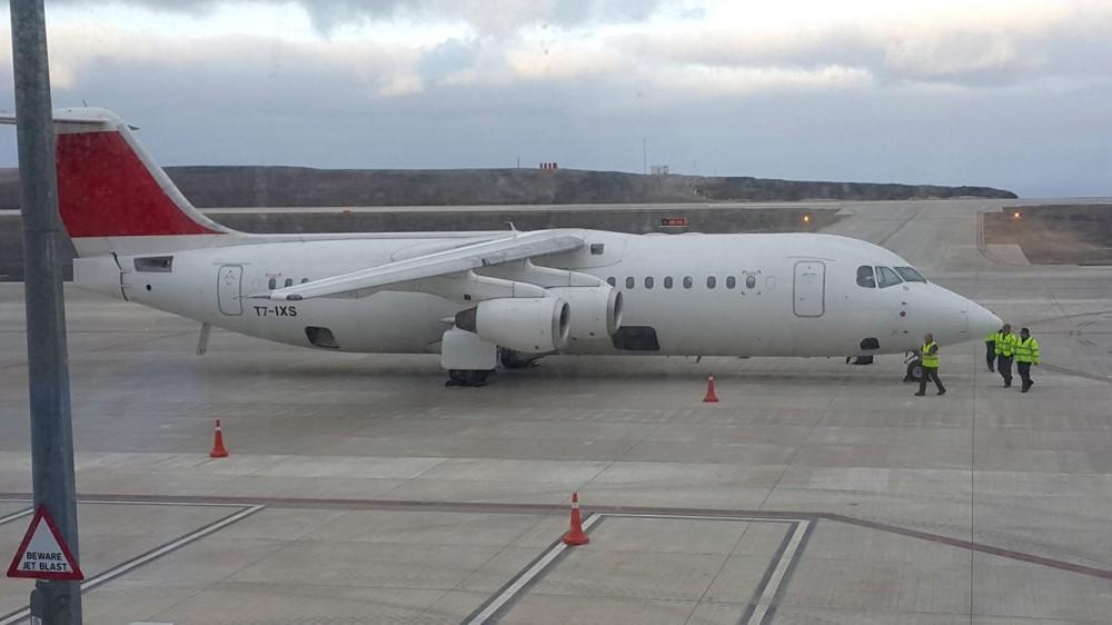 T7-IXS-AVRO-RJ100-St-Helena-Airport.jpg