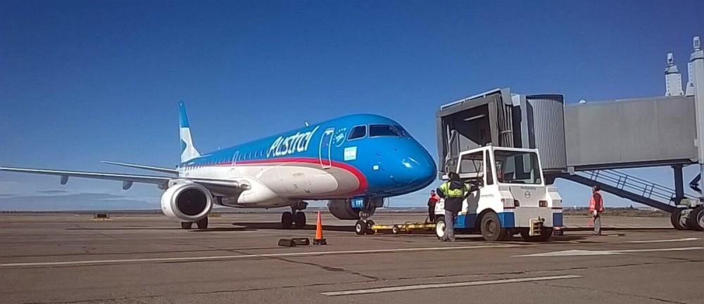 Trelew-aeropuerto-vuelo-REL-FTE-22SEP2017-Foto-Muni-Trelew.jpg