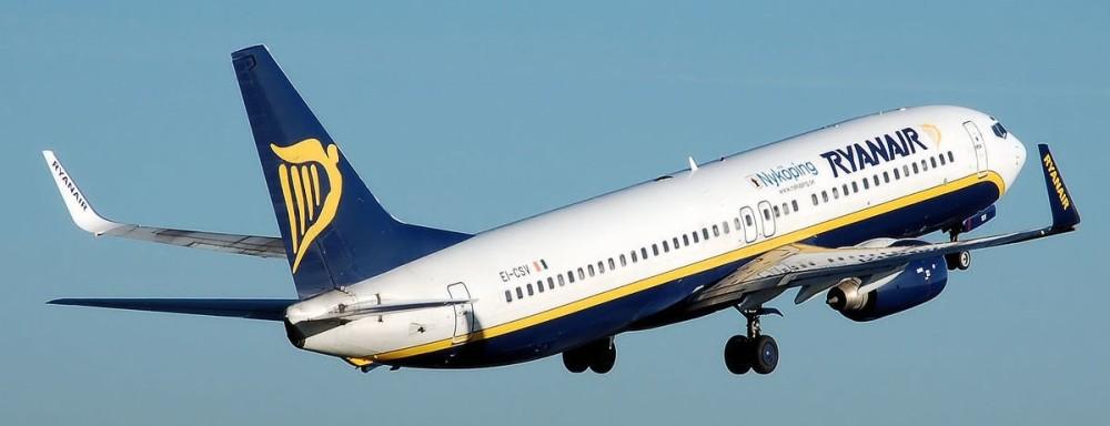 1200px-Ryanair_b737-800_nykoping_ei-csv_arp.jpg