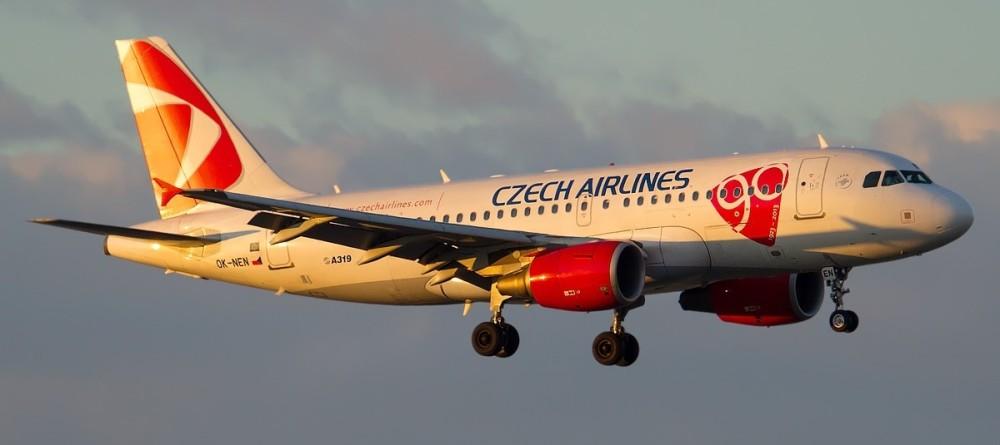 Airbus_A319-112,_CSA_Czech_Airlines_JP7746207.jpg