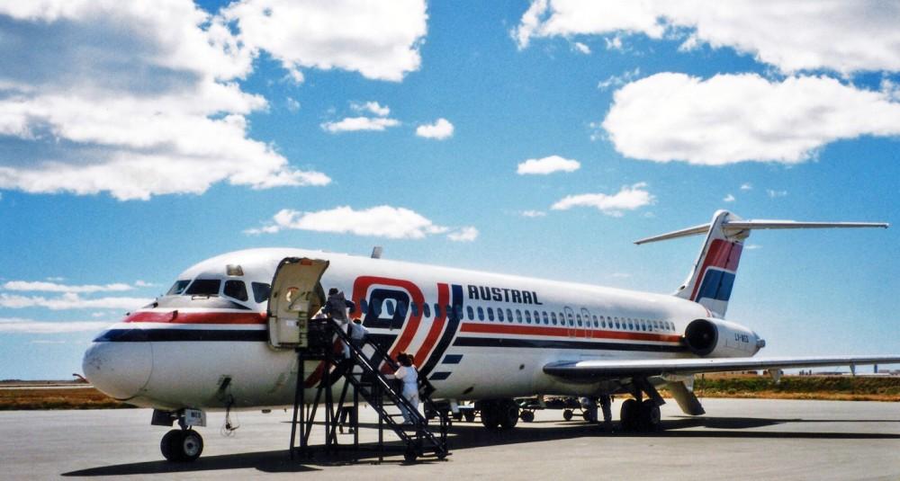 Austral_Lineas_Aereas_McDonnell_Douglas_DC-9-32_LV-WEG_(25582189983)