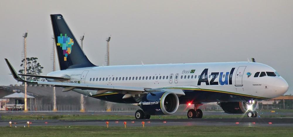 A320neo_Azul_(31739584755).jpg