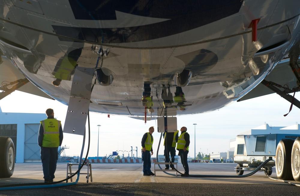 a350_xwb_msn1_fligth_test_airbus_workers
