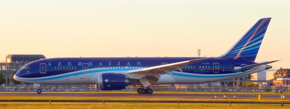 AZAL_Azerbaijan_Airlines,_Boeing_787-8_Dreamliner,_VP-BBS_-_LHR