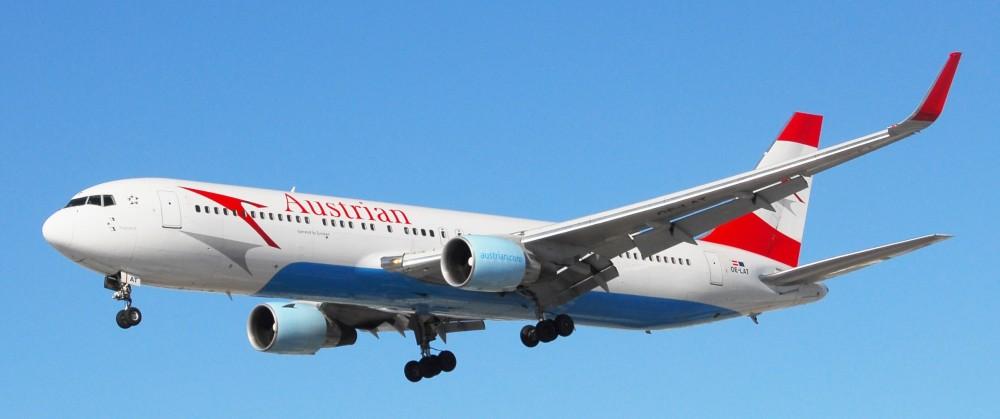 Boeing_767-300_(Austrian_Airlines)_(8455342710).jpg
