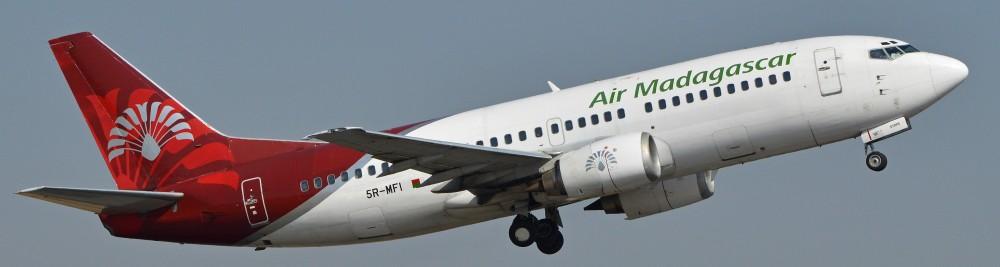 Boeing_737-3Q8_5R-MFI_Air_Madagascar_(15887810450).jpg