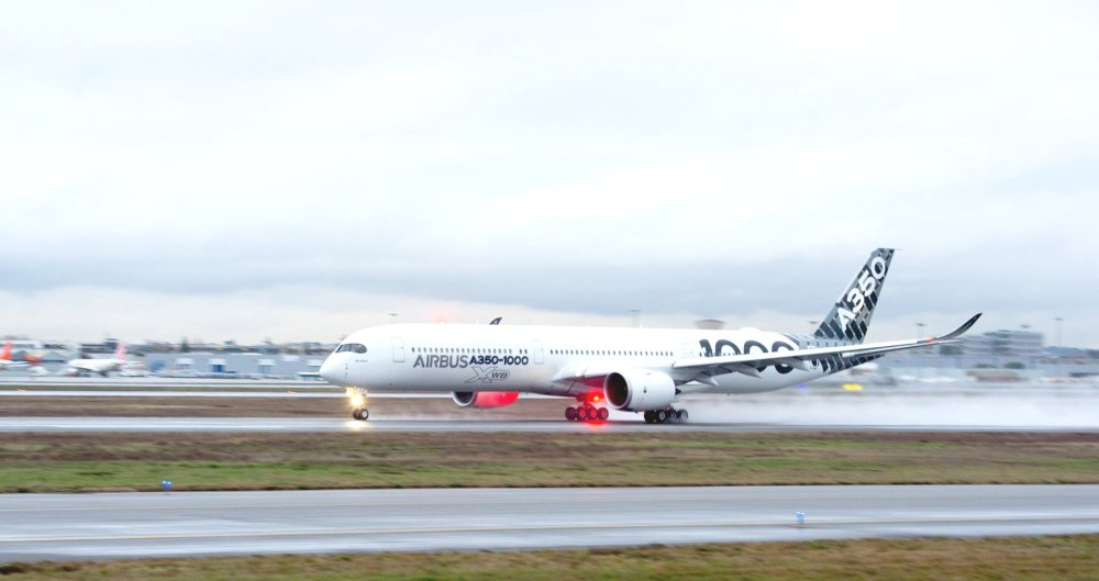 A350-1000-Demo-tour-take-off