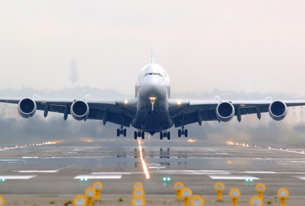Resultado de imagen para Airbus A380 takeoff