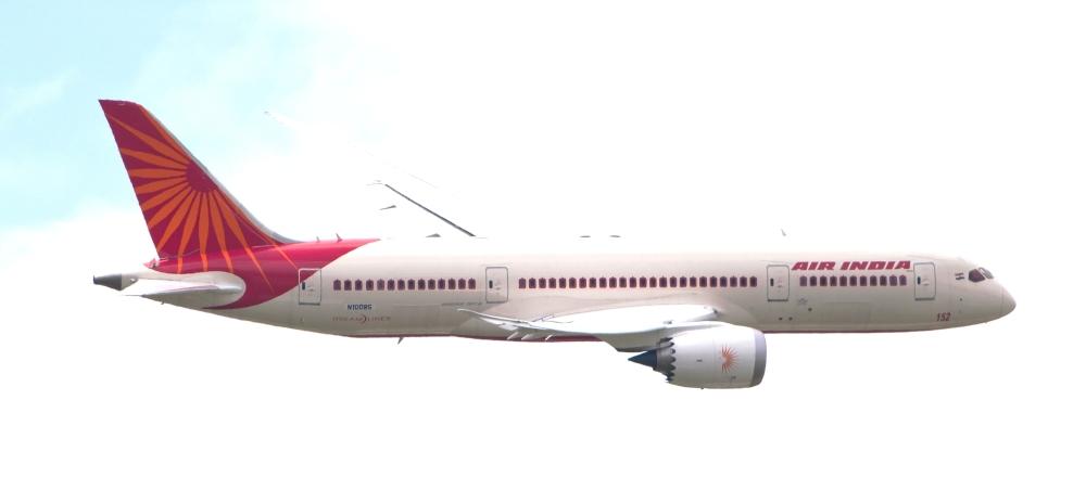 Air_India_Boeing_787_Dreamliner_N1008S_PAS_2013_02.jpg