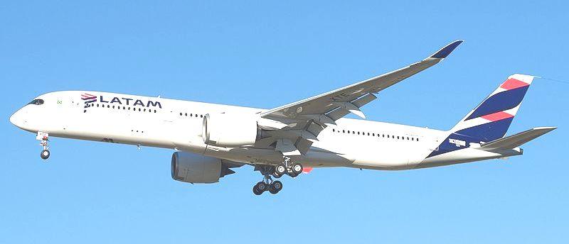 LATAM_Brazil_Airbus_A350-900_F-WZGU_(to_PR-XTE)_(28915136883).jpg