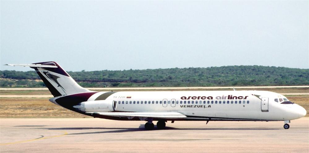 152aq_-_Aserca_Airlines_DC-9-31;_YV-720C@PMV;10.10.2001_(5444788245).jpg