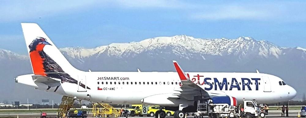 JetSmart_Airbus_A320-232(WL)_CC-AWC_at_Santiago_Airport..jpg