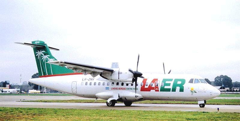 800px-106bb_-_LAER_ATR_42-320,_LV-ZNV@AEP,22.08.2000_-_Flickr_-_Aero_Icarus