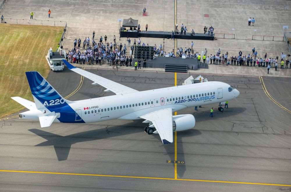 AIRBUS-A220-300-C-FFDO.jpg