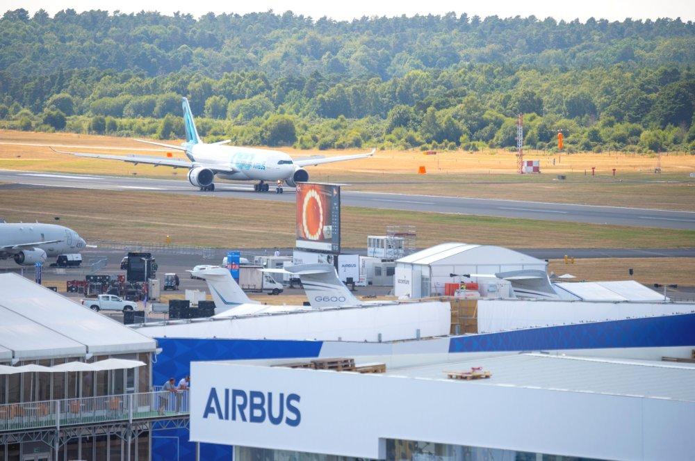 FIA-2018-A330neo-arrival-day-00-002.jpg