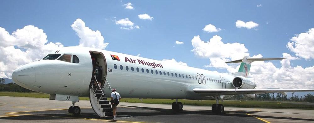 Air_Niugini_Fokker_100_Mt_Hagen_PNG.jpg