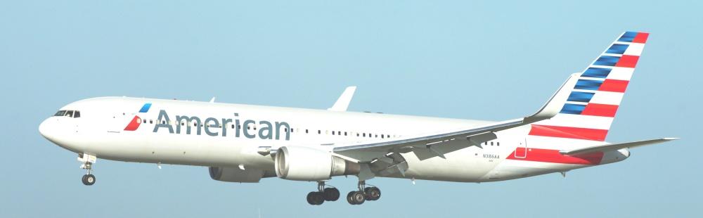 American_Airlines_Boeing_767-300ER_N386AA_15824909062-1.jpg