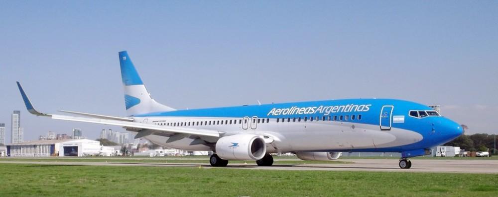 Aerolíneas_Argentinas_Boeing_737-800_LV-CTB