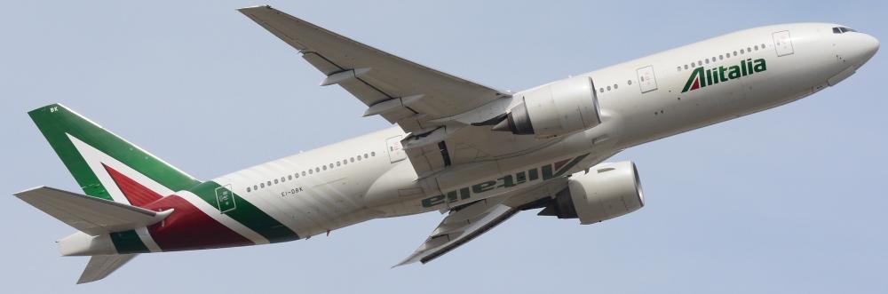 Alitalia,_Boeing_777-200ER_EI-DBK_NRT_(25765128983).jpg