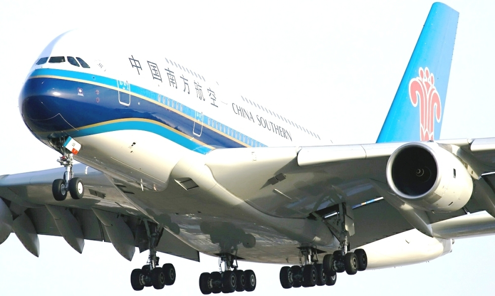 China_Southern_Airlines_Airbus_A380-841_Zhao.jpg