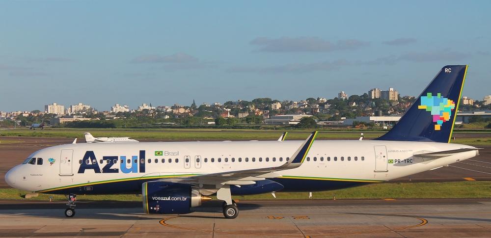 A320neo_Azul_SBPA_(31500553833).jpg