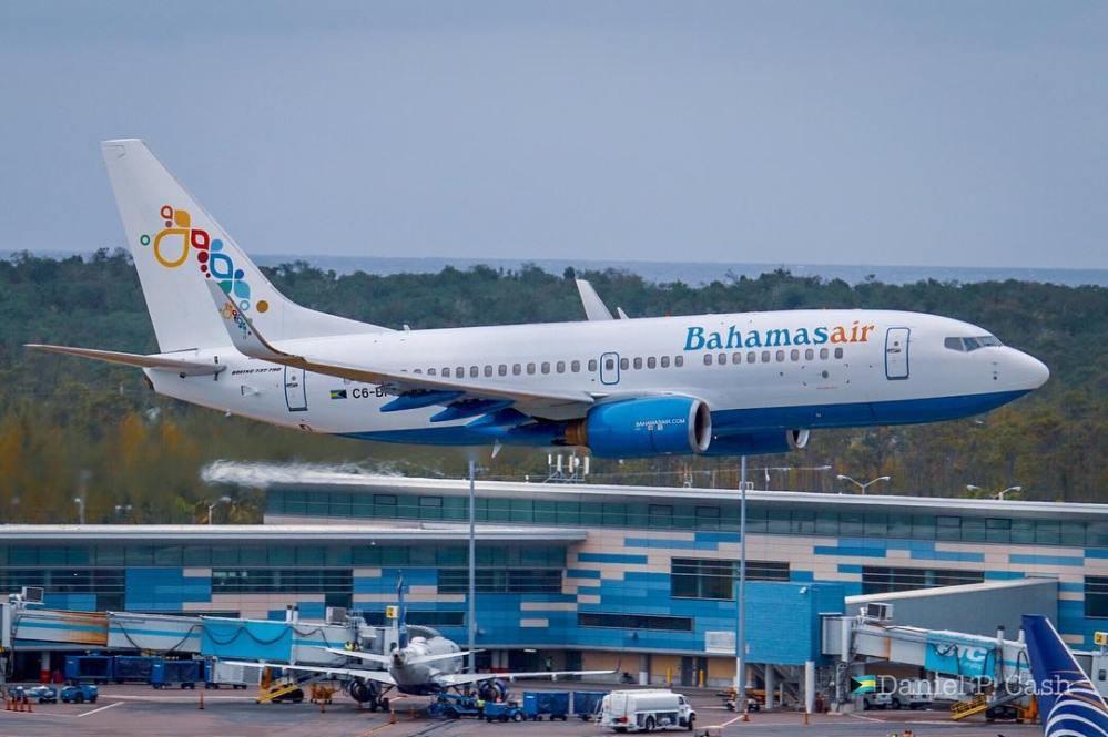 Resultado de imagen para Boeing 737-700 C6-BFX Bahamasair