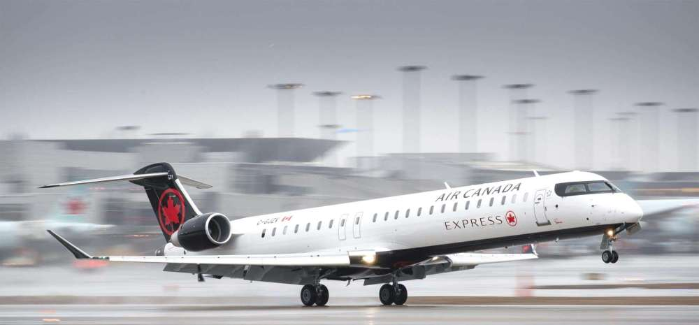 CRJ900-aircraft-in-the-Air-Canada-Express-livery.jpg