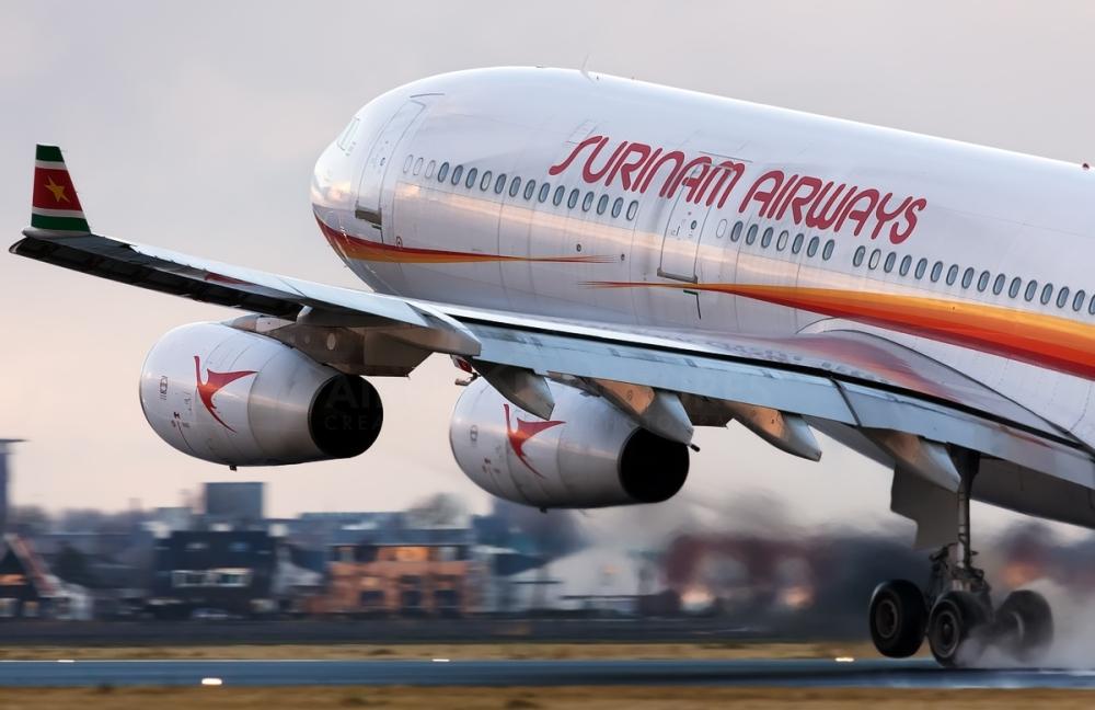 Resultado de imagen para Surinam Airways A340-300 Schiphol-Oost