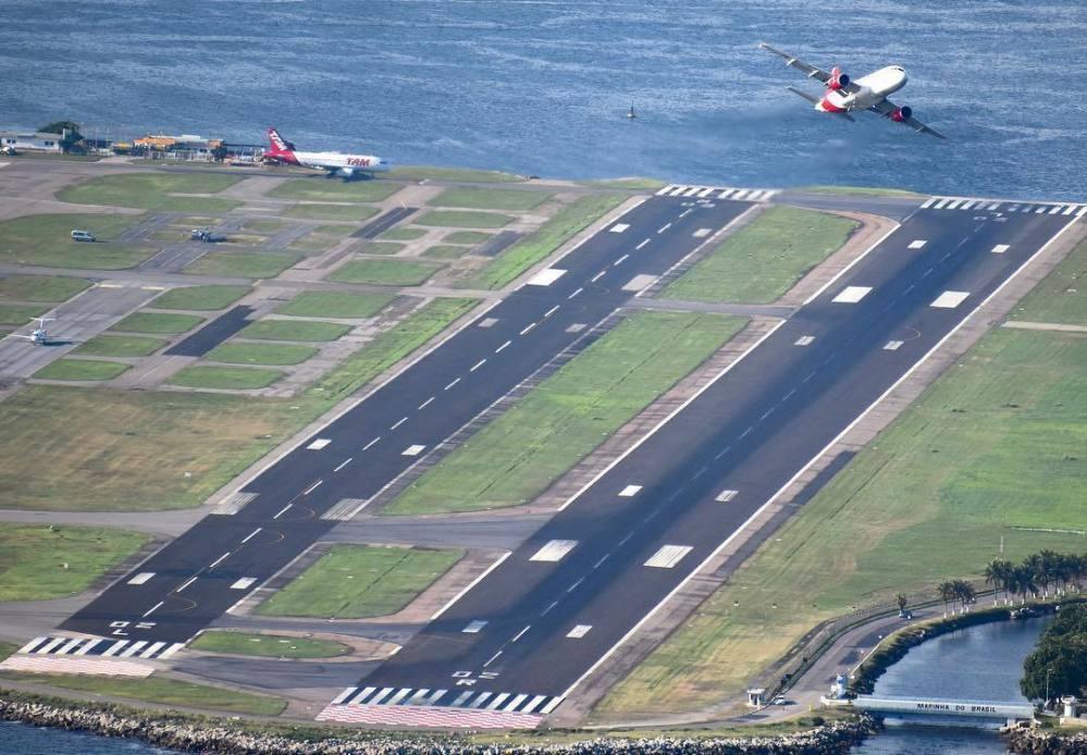 Resultado de imagen para Aeropuerto Rio Santos Dumont takeoff