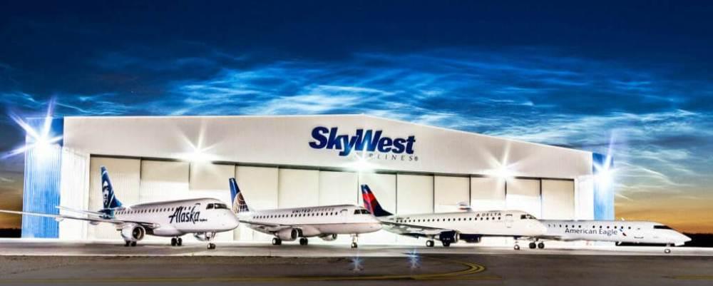 AW-700833-Skywest.jpg