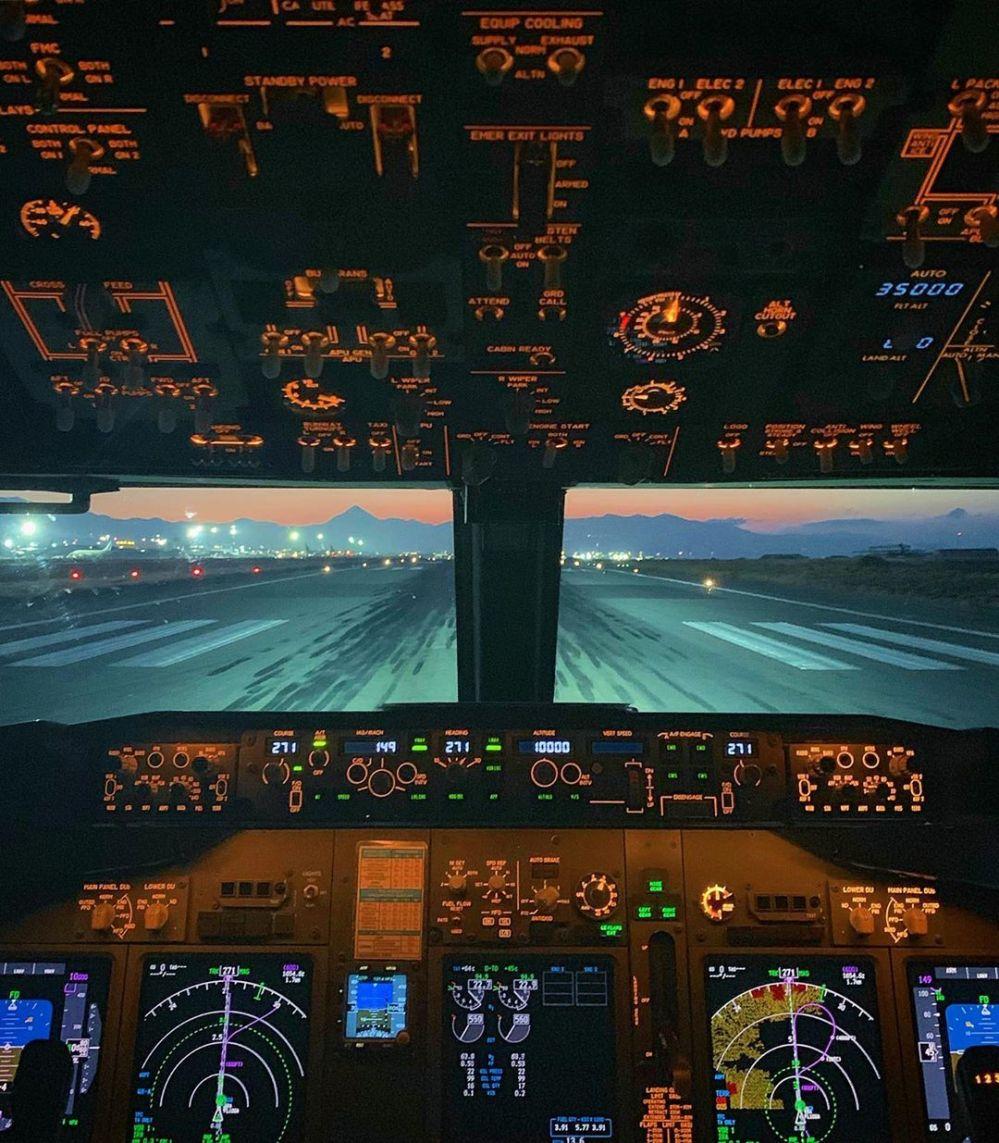 Resultado de imagen para Boeing 737 MAX FAA test pilot