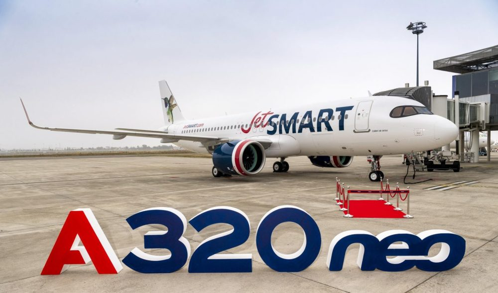 AW-Airbus_JetsmartA320neo.jpg