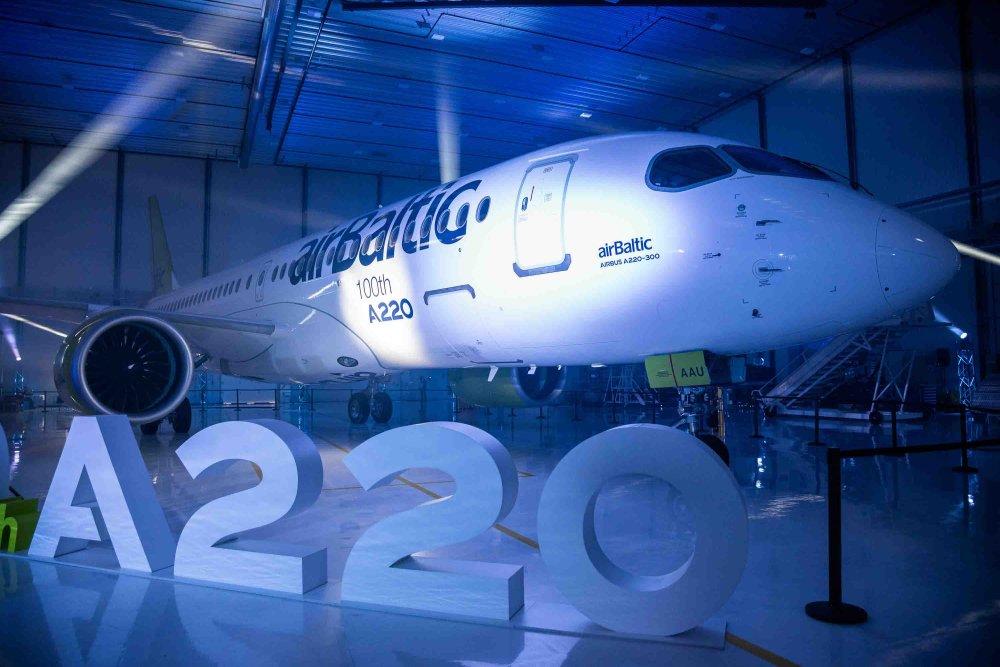 AW-Airbus_A220_7067.jpg