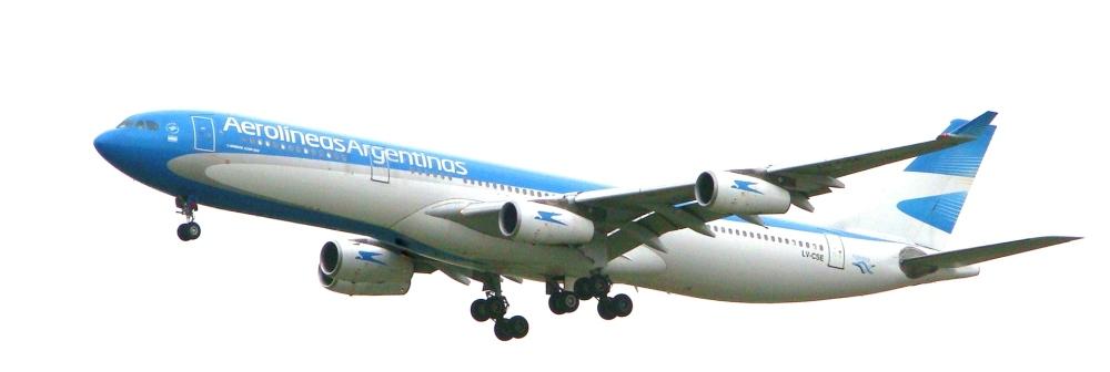 Airbus_A340-300_(LV-CSE)_de_Aerolíneas_Argentinas.JPG
