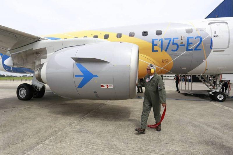 AW-E175-E2-107.jpg