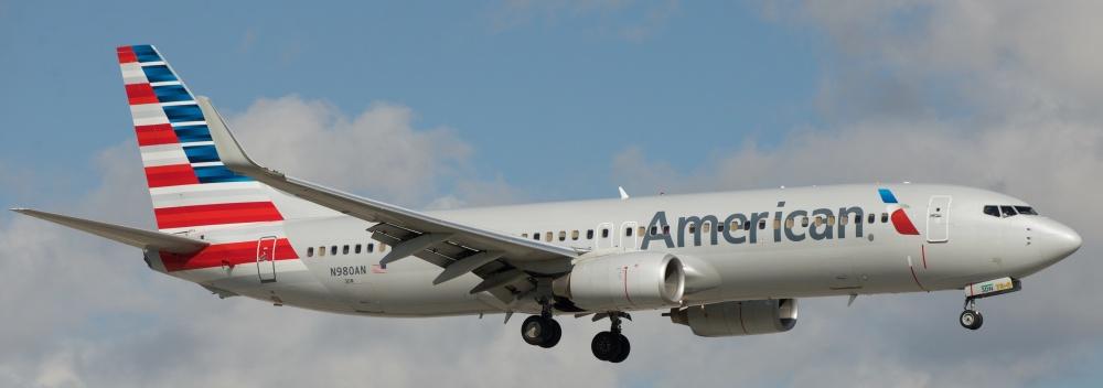 AW-Wk_Boeing_737-800_N980AN.jpg