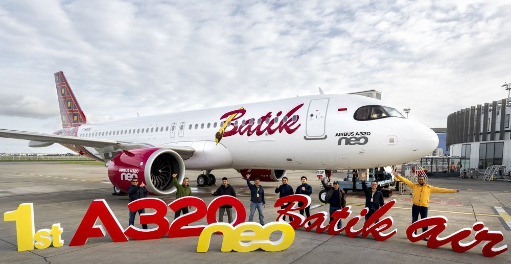 AW-Aierbus-first-A320neo-Batik-air-MSN9505-delivery-group-picture-002